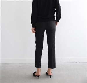 Slim Cropped Slacks (Black/Beige/Ivory) (will ship within 1~2 weeks)