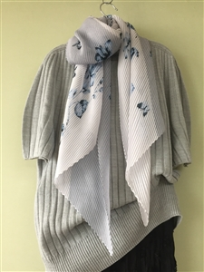 (Pre-Order) Gray Flower Pleated Scarf (will ship within 1~2 weeks)