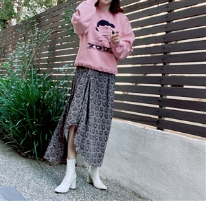Unbalanced Vent Skirt (will ship within 1~2 weeks)