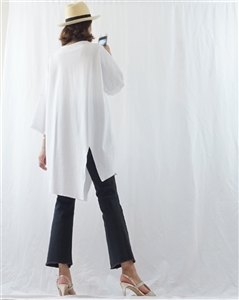 (Best; 2nd Reorder) White Luxury Unbalanced Vent Top(will ship within 1~2 weeks)